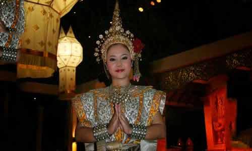 Danseuse dîner Khantoke Chiang Mai