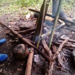 Preparation du riz dans des bambous, stage de survie a Chiang Mai
